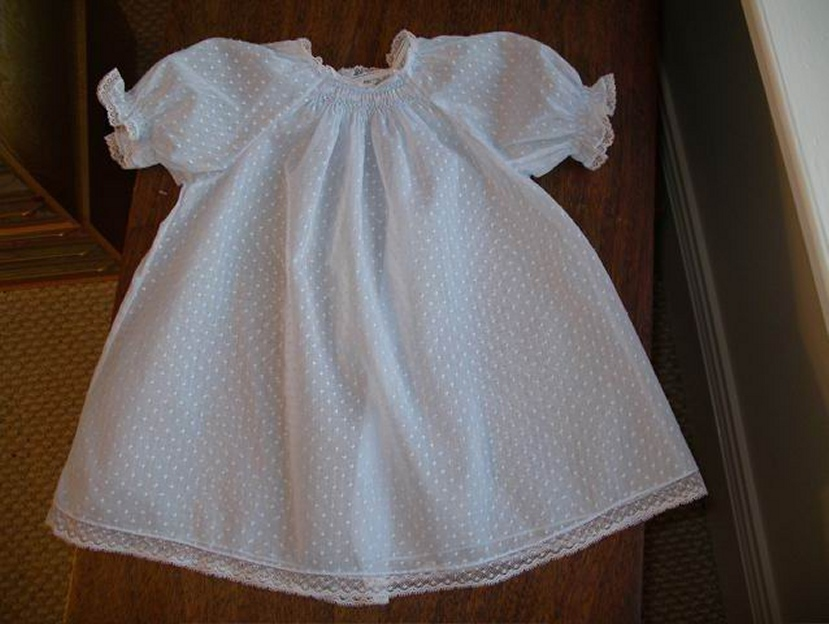 Baby\'s Smocked Layette Dress Kit in Dotted Swiss
