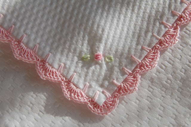 Crochet Patterns For Baby Blanket Edges : Baby Blanket Plisse / Pink Crochet Edging
