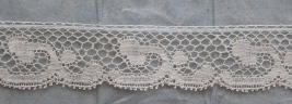 Lace Edging in Soft Ecru Set sold by the yard