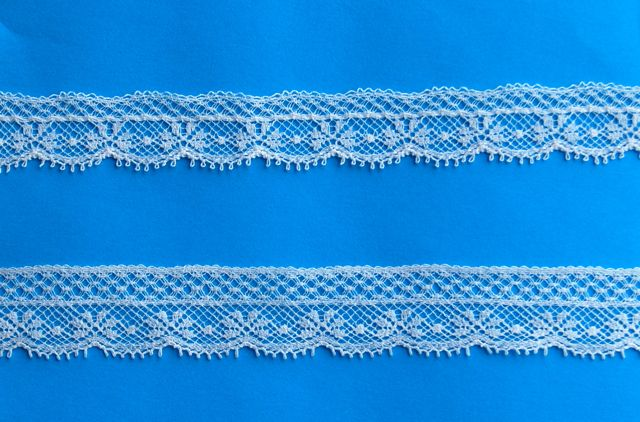 Lace Snowflake Champagne Edging - B