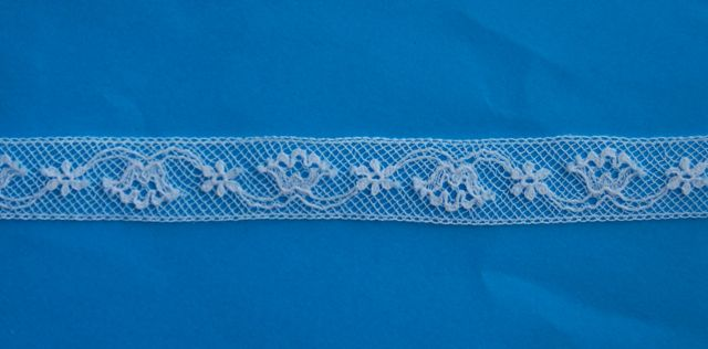 "Maline Lace Insertion - Tulip 1/2"" E"