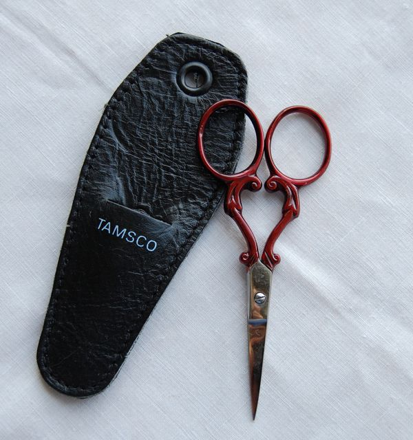 Embroidery Scissors - Red